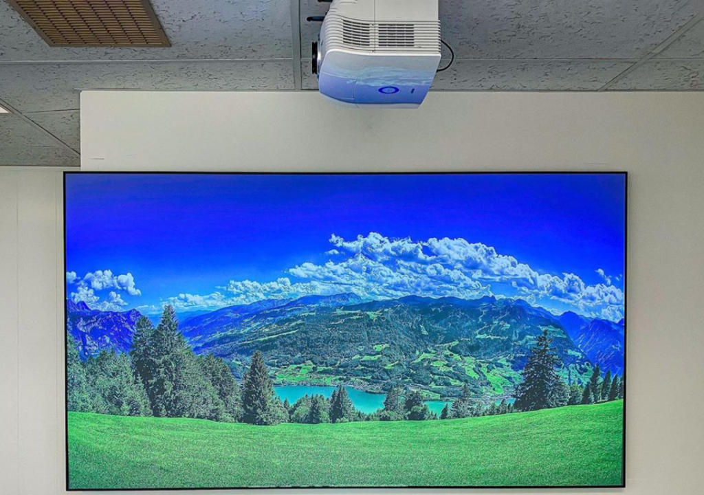 ceiling mounted projectors